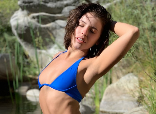 Adriana Chechik snapchat promo